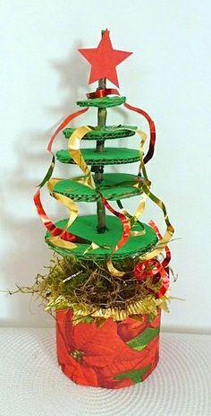 Weihnachten/Weihnachtsbasteln-dekorativer-Tannenbaum