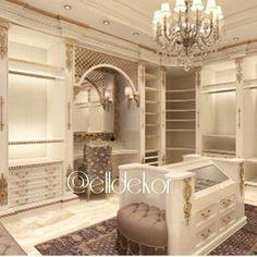 10 Walk in Closet Ideas For Your Master Bedroom Luxury Homes Interior, Luxury Home Decor, Interior Exterior, Interior Design, Closet Storage Systems, Dressing Room Closet, No Closet Solutions, Beautiful Closets, Sweet Home