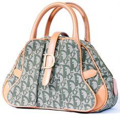 Classic Dior Shape  $395