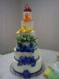 My friend Amy makes beautiful cakes.  You can find her at http://bakelore.blogspot.com