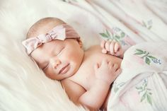 Check out this list of stunningly beautiful French Baby girl names that will steal your heart. You can print the list of names and a Bullet Journal as well. Short Baby Girl Names, Irish Baby Girl Names, Popular Baby Girl Names, List Of Girls Names, Middle Names For Girls, Pretty Girls Names, Unique Baby Names, Irish Girls, French Baby