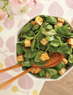 Quick and Easy Spinach Salad with Sun-Dried Tomato Dressing | Vegetarian Times