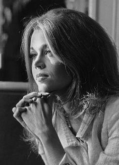 Jane Fonda's stunning beauty evolution over the years