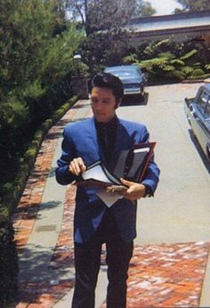 Elvis at CA home       1174 Hillcrest Drive... then & now... bought May 7th 1967