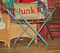 Vintage Collapsible Wire Metal Laundry by BlackEyedSusanShop~ Now it's Mine Mine Mine! Wire Laundry Basket, Wire Baskets, Laundry Cart, Vintage Laundry, Flea Market Finds, Vintage Items, Vintage Style, Rustic Industrial, Booth Ideas