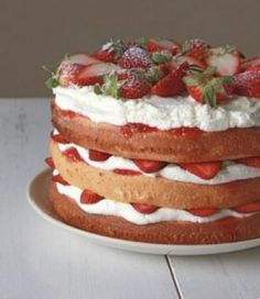 Broccoli and coconut cake - Clean Eating Snacks Strawberry Wedding Cakes, Strawberry Cakes, Strawberry Shortcake, Strawberry Recipes, Strawberry Blonde, Mousse Au Chocolat Torte, Cake Recipes, Dessert Recipes, Lemon Layer Cakes