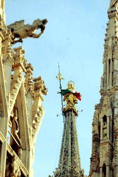 LA MADONNINA di MILANO  #TuscanyAgriturismoGiratola