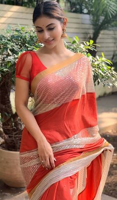 Unlimited Latest Indian Women Blouse Designs for Lehanga and Saree Top 10 Beautiful Women, Beautiful Girl Indian, Most Beautiful Indian Actress, Beautiful Saree, Beautiful Actresses, Indian Bridal Fashion, Saree Models, Stylish Sarees, Elegant Saree