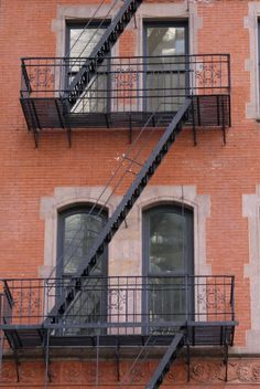 USA - New York - Manhattan - building - stairs - By: Lisette Eppink