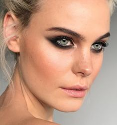 Pinterest: DEBORAHPRAHA ♥️ cat eyeliner look with a smokey eye. I'm in love with this makeup look! #makeup