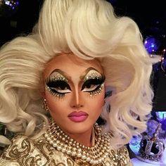 Kim Chi - amazing makeup skills And an amazingly kind person Drag Queen Makeup, Drag Makeup, Hair Makeup, Drag Queens, Drag King, Makeup Class, Rupaul Drag, Flawless Makeup, War Paint