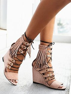 Solstice Fringe Wedge