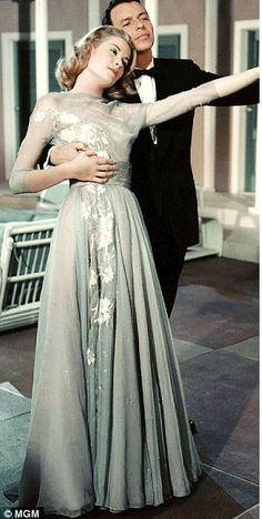 Grace Kelly and Frank Sinatra in High Society the engagement dress by Helen Rose. I love the scene were Tracy Lord (Princess Grace Kelly) gets drunk. Vintage Hollywood, Old Hollywood Glamour, Golden Age Of Hollywood, Hollywood Stars, Classic Hollywood, Old Hollywood Dress, Hollywood Icons, Hollywood Actresses, Helen Rose