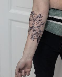 Image may contain: one or more people Arm Band Tattoo For Women, Bicep Tattoo Women, Tattoos For Women Half Sleeve, Sleeve Tattoos, Forearm Flower Tattoo, Forearm Tattoos, Flower Tattoos, Carnation Flower Tattoo, Lotus Flower