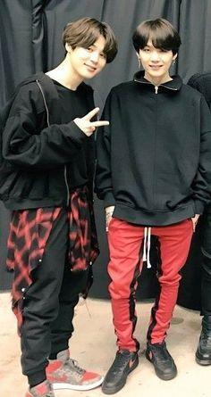 You know I know yoonmin is real Bts Boys, Bts Bangtan Boy, Bts Jimin, Kim Namjoon, Jung Hoseok, Park Ji Min, Foto Bts, Jikook, K Pop