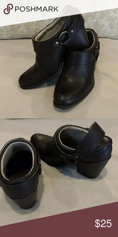 """Dark brown slip on shoeties EPOC! Dark brown with movable back strap, wear with or without. Size 8, 3"""" heel  Worm one time they are in excellent condition! Faded Glory Shoes Mules & Clogs"""