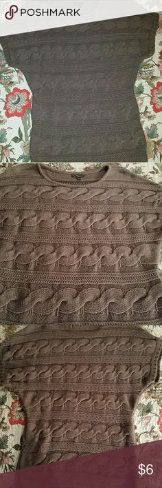 EXPRESS Comfortable Cable Brown Sweater Sz S Raglan Sleeves, thick waist band, (not a reddish brown, had to use flash to show pretty knit pattern) Express Sweaters