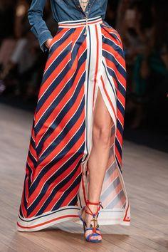 Apr 2020 - Elisabetta Franchi at Milan Fashion Week Spring 2020 - Details Runway Photos Fashion Moda, Fashion Week, Look Fashion, Timeless Fashion, Fashion Outfits, Fashion Trends, Milan Fashion, Curvy Fashion, Daily Fashion