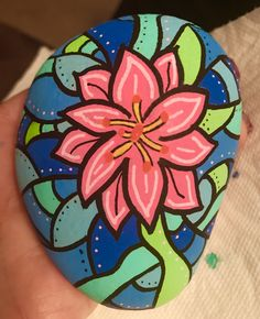 Pin by heather lathrop on crafts Stone Painting, Painting Flowers, Martha Stewart Pets, Rock Painting Ideas Easy, Kindness Rocks, Painting Videos, Pebble Art, Stone Art, Rock Art