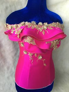 African Wear, African Attire, African Fashion Dresses, Indian Fashion, Girls Formal Dresses, Little Dresses, Elegant Dresses, Designer Blouse Patterns, Blouse Designs