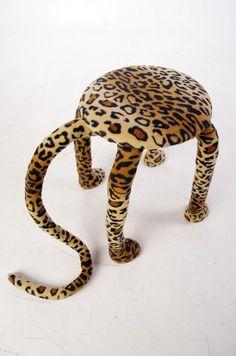 Креативная табуретка-леопард ручной работы. 4 000 рублей. http://martmania.ru/taburet-leopard