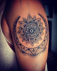 Tattoo más cover up! 💀☝ #timetattoostudio #alemerlostattoo #asisonmistattoo #mandala #mandalatattoo #dotworktattoo #puntillismotattoo #coveruptattoo #tattoo #arttattoo #tatuajes #tatuandolavida #tatuateydejatedejoder TIME TATTOO en Olavarría 2831 casi Garay