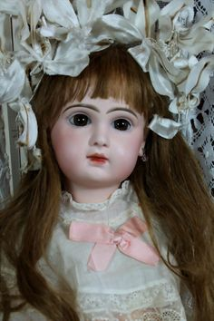 "Gorgeous 21"" Closed Mouth Jumeau Bebe"