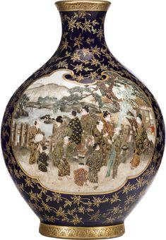Satsuma vessels by Kinkozan, Meiji era (late century) Japanese Porcelain, Japanese Ceramics, Pots, Satsuma Vase, Meiji Era, Chinese Painting, Porcelain Ceramics, Asian Art, Japanese Art