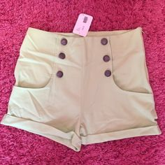 Green High-Waisted Jenna and Molly Shorts Never worn, new with tags! Green shirts with buttons and pockets Shorts