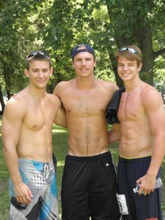 hot gay college muscle galleries