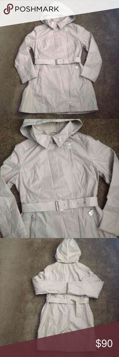 Michael kors trench coat size L Michael kors trench coat size L the hood is removable has some little dirty stains inside the neck but nothing big please look at the pictures Michael Kors Jackets & Coats Trench Coats