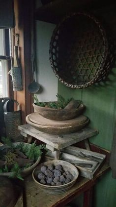 A corner in the pantry. Primitive Country Homes, Primitive Bedroom, Primitive Gatherings, Primitive Kitchen, Primitive Antiques, Primitive Decor, Vintage Farmhouse Decor, Country Farmhouse Decor, Deco Champetre