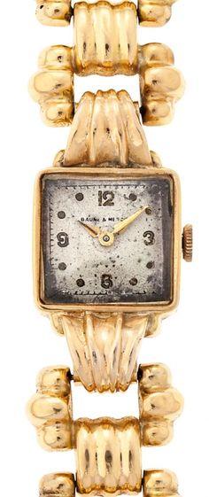 Baume & Mercier, reloj-joya de pulsera de señora en oro Mecanismo de cuerda manual. Precisa revisión. 33,4 gr. 17x17 mm Precio de salida: 450€ Precio de remate: 500€