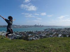 Skyline of Auckland, New Zealand  #skyline #Auckland #NewZealand  http://aworldoffood.nl/skyline-auckland-nieuw-zeeland/