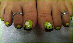 halloween pedicure5 Halloween Toe Nail Art Design Ideas