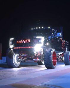Jacked Up Chevy, Lifted Cars, Lifted Chevy Trucks, Ford Pickup Trucks, Jeep Truck, Gmc Trucks, Cool Trucks, Camo Truck, 6x6 Truck