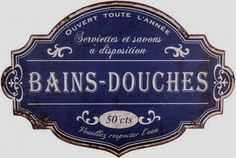 Bains – douches – Ouvert Toute L'Année : Plaque décorative rétro en métal représentant un Panneau Bains, Douches sur fond bleu. Serviettes à disposition 50 cts. Ouvert Toute l'année.  Idéal pour créer une ambiance vintage dans votre intérieur, votre maison de vacances ou encore dans un gîte de France. Personalized Items, Cards, Block Prints, Tags, Soap, Bath Sign, Open Showers, Decorative Plates, Vintage Metal