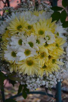 Wedding bouquet- yellow and white daisy mix- Bridesmaids bouquet -biedermeier bouquet style