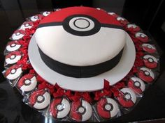 Teen Boy Birthday Cake, Pokemon Birthday Cake, Pokemon Party, 6th Birthday Parties, 11th Birthday, Party Cakes, Party Favors, Creative Cakes, Cake Decorating