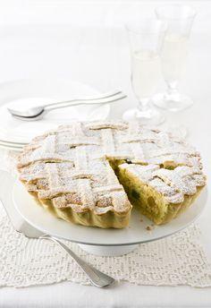 Porta in tavola la classica pastiera napoletana della tradizione pasquale partenopea con la ricetta di Sale&Pepe.