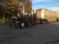 I thought it looked like Brooks's truck. Heavy Duty Trucks, Big Rig Trucks, Tow Truck, Semi Trucks, Custom Big Rigs, Custom Trucks, Heavy Construction Equipment, Logging Equipment, Cement Mixers