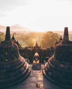 Sunrise from Borobudur Temple in Central Java, Indonesia  (@juanjerez)
