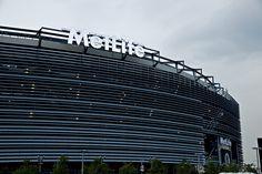 MetLife Stadium - NY Giants & NY Jets Giants Football, Football Stadiums, Ny Giants Game, Nfl Playoffs, Football Season, New York City Travel, New York Giants, Super Bowl, Ber Months