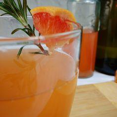 Prosecco and grapefruit spritzer Prosecco, Cocktail, Grapefruit, Just For You, Recipes, Food, Grapefruit Juice, Original Recipe, Recipies