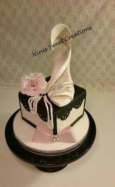 Image result for imagen de tortas de 15 años con fondant