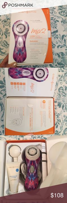 Clarisonic Mia 2 facial sonic cleaning NWT it's a gift for my mom last year, but she never use it, so I decide to see if anyone here would be interested in it. My friend told me that it's very useful and comfortable. Feel free to make me an offer! 😸😸😸 clarisonic Other