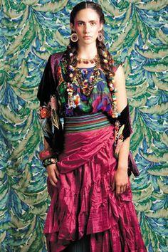 fotos Estilo Frida Kahlo en moda chilena :: La Razón :: 2 de octubre de 2012
