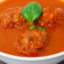 Machgand: This recipe belongs to the Kashmiri Wazwan cuisine. A curry with minced meat rounds, packed with traditional spices.