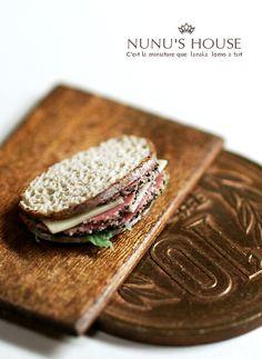 *カンパーニュサンド* - *Nunu's HouseのミニチュアBlog* 1/12サイズのミニチュアの食べ物、雑貨などの制作blogです。