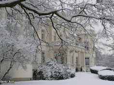 English country house in snow!